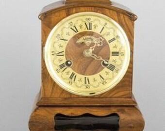 Warmink WUBA Vintage Mantel Shelf Dutch clock 8 day table cabinet clock