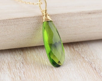 Peridot Quartz & Gold Filled Pendant. Wire Wrapped Necklace. Large Green Gemstone Pendant. Bead Pendant. Handmade Artisan Jewelry. Jewellery