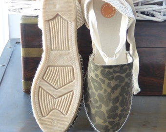 Wedge espadrilles with ribbons - CAMO/ANIMAL PRINT - mumishoes - made in spain
