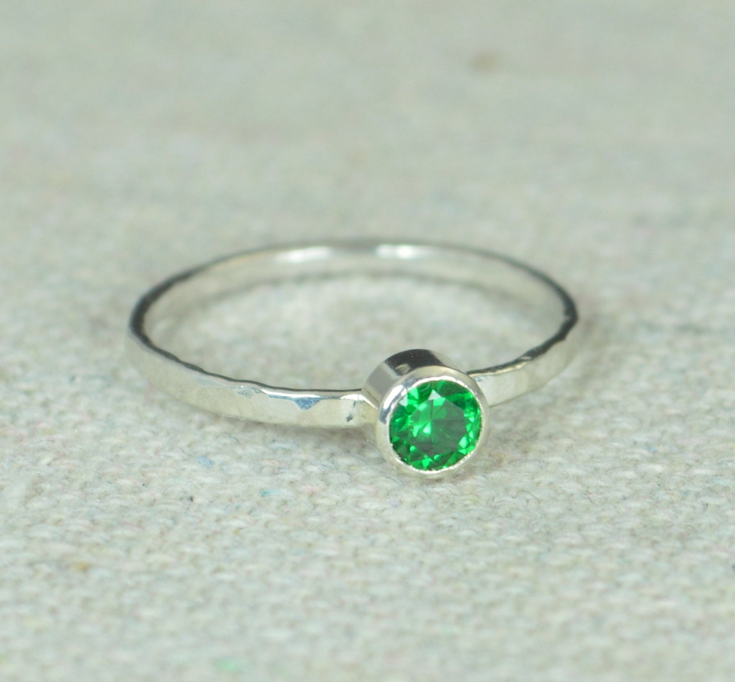 small emerald ring s ring hammered silver