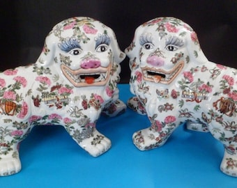 "Large Vintage 14"" Pair of Chinese Foo Dogs Shi Shi Lions Hand Painted Famille Rose"