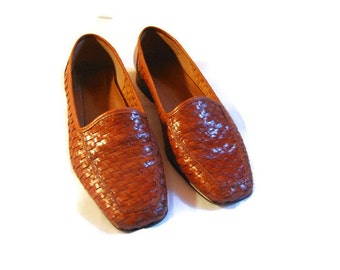 Vintage Brown Woven Shoes woven flats  brown moccasins 1980s NATURALIZER flats  slip on loafers 80s BOHO HIPSTER womens size 7