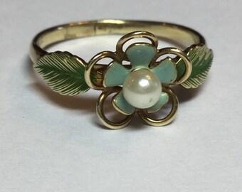 Vintage 14k Yellow Gold Krementz Enameled Flower Pearl Ring