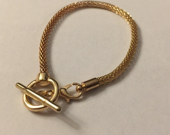 Mix and Mingle Toggle Bracelet-Gold