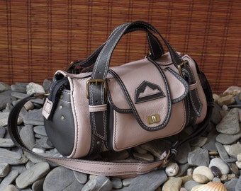 handbag, travel bag, weekend, 48h, in a pale pink and black leather