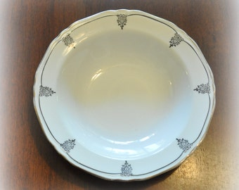 Small Crown Ivory Berry Bowl, 5 1/2 in. Diameter