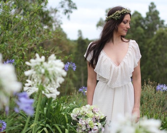 Bohemian/Vintage Garden/Beach Wedding Dress V neckline soft frill