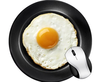 Funny Delicious Egg in Pan Round Mouse Pad