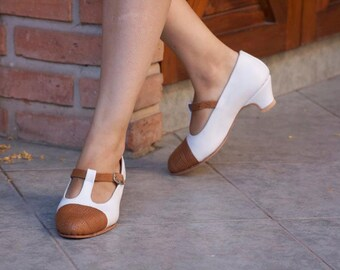 Low heel leather shoes / handmade women shoes in color white and black/  Model Eleonora