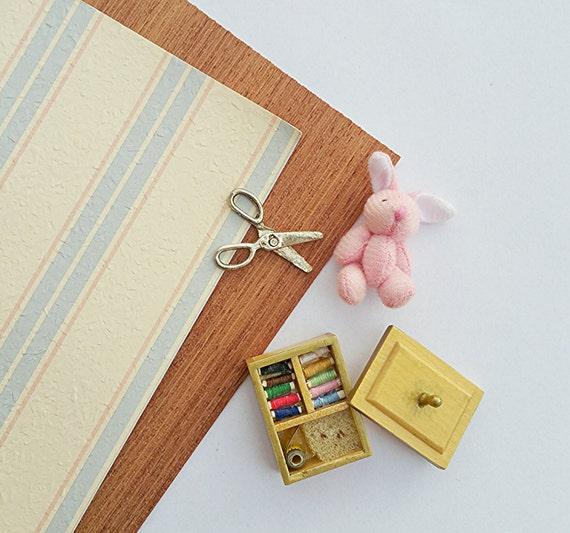 Dollhouse Wallpaper: Dollhouse Miniature Vintage Wallpaper / Dollhouse By