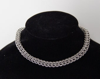 Elegant chainmaille necklace (persian 6 in 1)