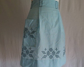 Blue Gingham Half Apron, Vintage Apron, Gingham Apron, Blue Apron, Half Apron, Handmade Apron, Vintage Housewife