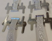 craft supplies,wristlet,elastic wristlet,corsage wristlet,wrist corsage,prom wristlet,hand corsage,wedding wrist corsage,hand wristlet