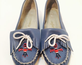 Vintage Blue Heavenly Comfort Moccasin Leather Flats, Leather Loafers, Minnetonka Moccasins, 1980s Beaded & Fringed Loafers, Women's size 10