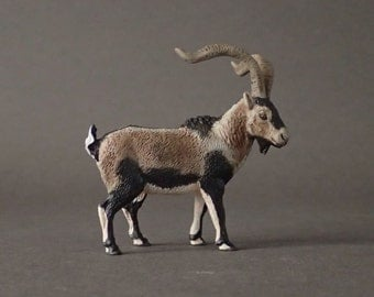 Male iberian ibex figure 1:20 /resine/hand painted/collector