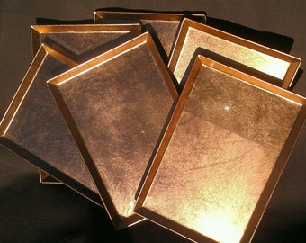 gold hors d'oeuvre and snack tray, hard plastic flat dish