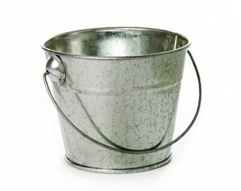 Metal Tin Bucket with Handle (12.5 x 10.5 cms)