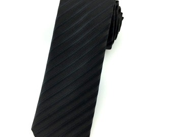 Black pinstriped 6.5 cm skinny tie. Slim Tie. Narrow Thin Tie. Skinny Tie. Formal Necktie. Black tie. Skinny ties