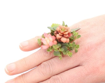 Succulent woodland botanical ring