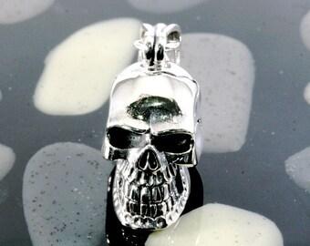 Skull pendant 925 sterling silver  -- 1815