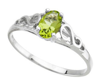 925 Sterling Silver Imitation PERIDOT Youth August Birthstone Ring USA 5