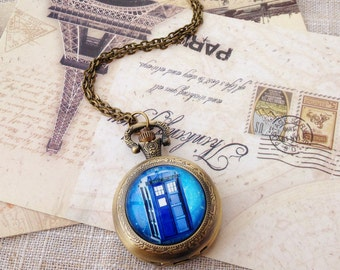 Dr. who Pocket Watch, Doctor Who Tradis Pocket Watch, includes two kinds of removable chain
