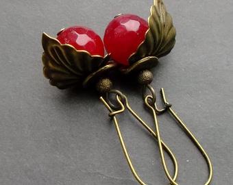 Earrings berry under a leaf. earrings crimson Agate. earrings Gemstones NATURAL stones. earrings Agate. details Antiqued Brass.