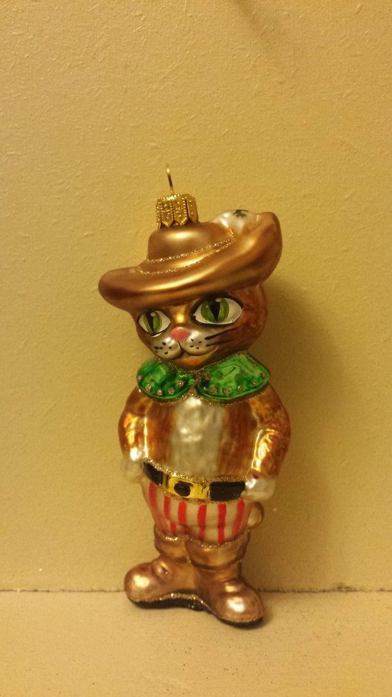 Blown glass puss in boots glass cat christmas ornament for Cat christmas ornaments craft