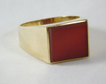 14k Gold Gent's Ring with Square Ruby