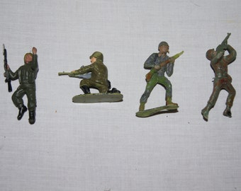 Vintage 1980's - Painted Army Men Figurines in Green with Guns set of 4