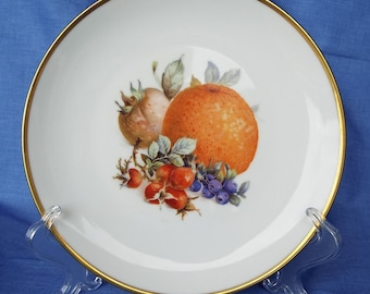 Eschenbach Bavaria Baronet China Decorative Plate with Orange / Blueberry Fruit Pattern and Gold Trim