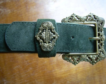 SALE!!  Vintage Green SUEDE Belt with PAULITH  collectible ornate buckle. Sz Med.  Made in Canada. 1 3/8 in. wide.