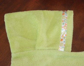 Polka Dot Hooded Towel, Green - For babies, toddlers, preschoolers and beyond!
