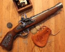 18th Century Pirate Blunderbuss flintlock pistol, good for Pirate or Steampunk cosplay
