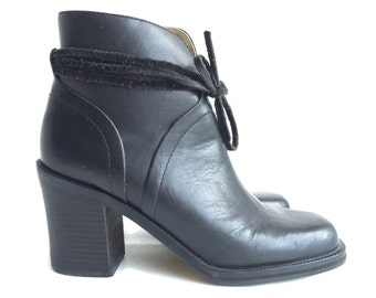 Vintage Black Leather Ankle Boots  Womens 7.5