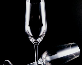Pack of two glasses of champagne for weddings or celebrations
