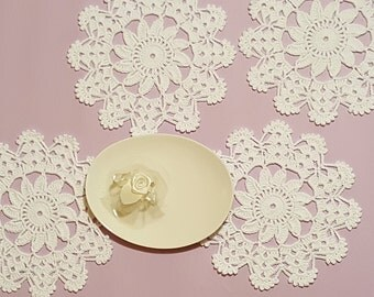 White crochet doily. Set of 2, 4 or 6 Crocheted Wedding doilies, Crochet Lace Doily, Snow white doily, Coaster, Mini doily, Small doily