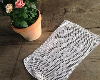 Pretty vintage french crochet work doily table mat runner