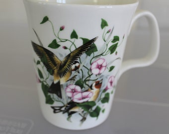Birds of the Hedgerow, Goldfinch with Convolvulus by R.J. Heritage, Balfour China From Scotland, Tea Cup or Coffee Cup, Beautiful Birds NICE