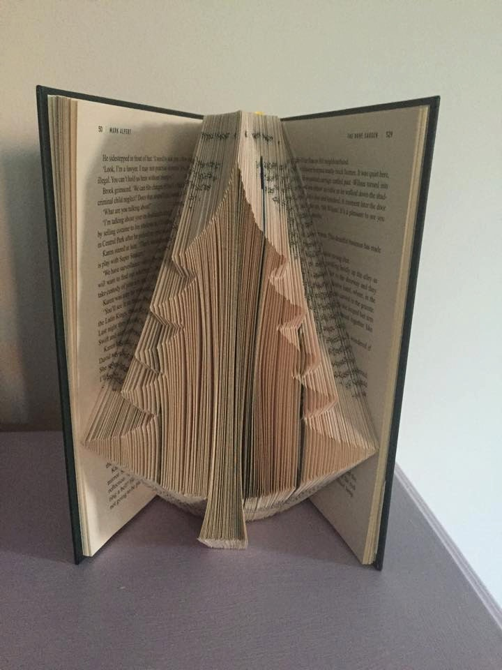 Book Folding Pattern For A Large Christmas Tree Pine Tree