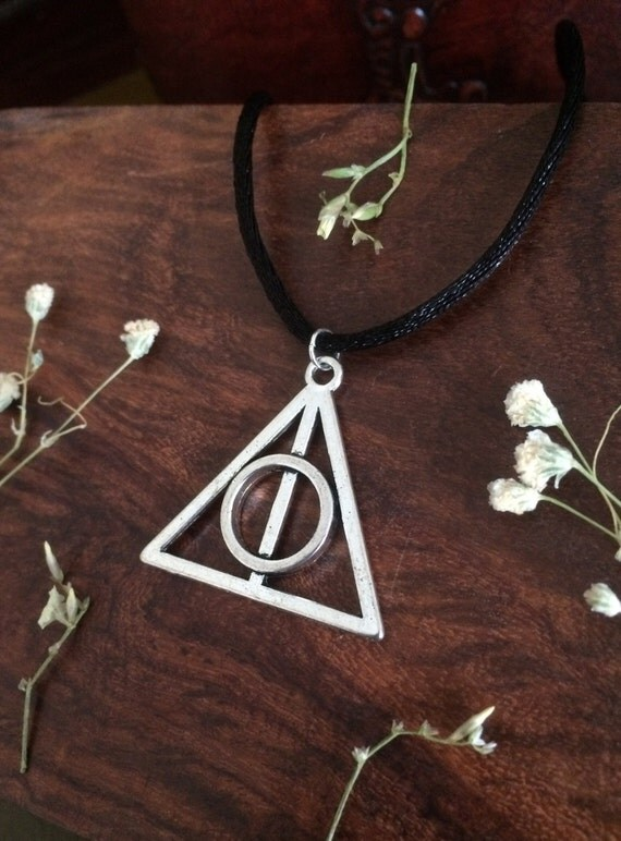Harry potter deathly hallows necklace choker elder wand for Deathly hallows elder wand