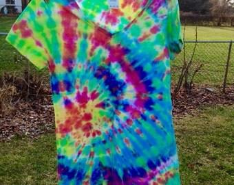 Women's Small Tie Dye V-Neck - Women's Small Fitted V-Neck Tie Dye Shirt - Tie Dye V-Neck T-Shirt - Neon Tie Dye Shirt - Size Small V-Neck