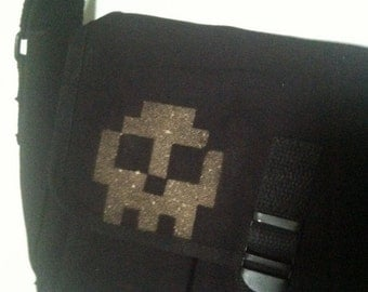 Skull Ammo Shoulder Bag Bleach Design