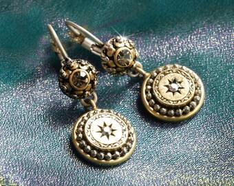 Medallion Earrings, Victorian Earrings, Leverback Earrings, Medallion Pendant, Gypsy Earrings, Boho Earrings, Hippie Earrings, Tribal E1290