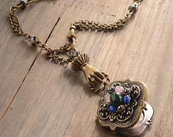 Victorian Necklace, Locket Necklace, Vintage Necklace, Victorian Jewelry, Victorian Locket, Locket Jewelry, Renaissance Necklace N1394