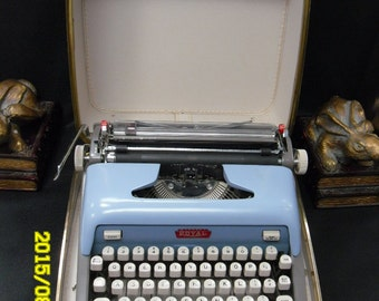 1960s Royal Portable Typewriter w/Original Case. Perfect Condition. Serial Number 2A4977247