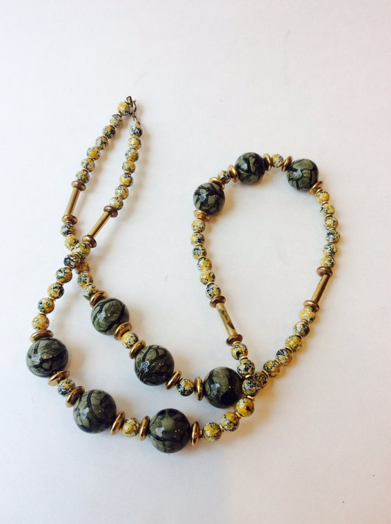 Vintage green marble beaded necklace earthtone marble acrylic for How to make marble jewelry