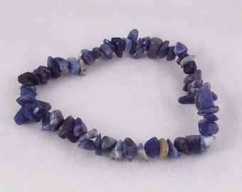 Gormflath (Sodalite Gemstone Chip Stretch Bracelet)
