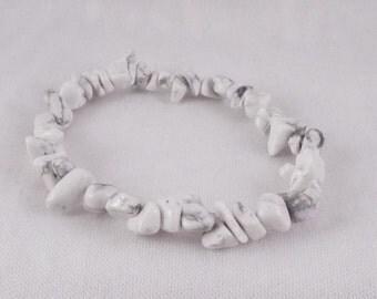 Gwynfor (White Howlite Chip Stretch Bracelet)