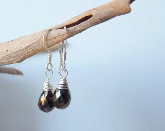 SALE, Sterling Silver Mystic Black Briolette Earrings,Tiny Black Teardrop Earrings,Small Dangle Earrings,Elegant Jewelry Earrings,Small Drop
